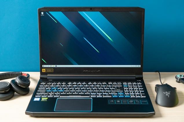 El portátil económico para juegos que recomendamos, el Acer Predator Helios 300.