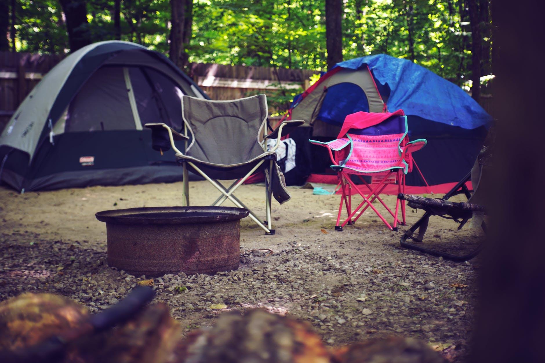 253-10-artículos-esenciales-para-acampar-que-son-fáciles-de-transportar